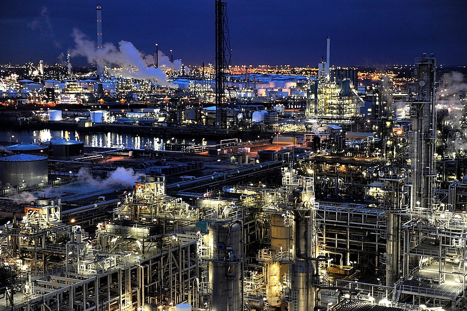 Shell refinery night view